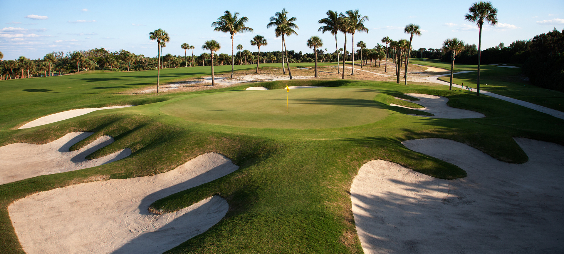 Donald Ross originally designed Seminole in the 1920s and it was the first outstanding golf course to be built in America's deepest South. Situated on the Atlantic side of Florida's coastline, Seminole Golf Club is considered by critics to be one of the finest examples of golf course routing. With small greens and serious trouble lurking beyond the flagstick, this is not a course to attack.