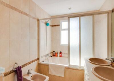 Bedroom #1 en-suite at Apartamento De Lujo En Marbella, Nueva Andalucía