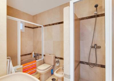 The bathroom at Apartamento De Lujo En Marbella, Nueva Andalucía