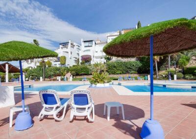 The communal swimming pool at Apartamento De Lujo En Marbella, Nueva Andalucía