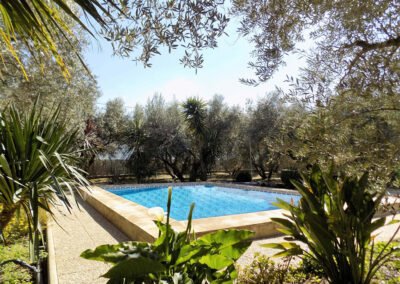 Casa Benisalte, Órgiva is a secluded two bedroom Andalucian hideaway in the Sierra Nevada. Well appointed and comfortably furnished it has private lawned garden with pool, orchard & BBQ. Walk to local restaurants, go hiking, biking & nature spotting.