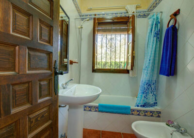 The bathroom at Casa Buganvilla, Órgiva