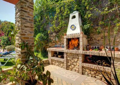 The barbecue area at Casa Buganvilla, Órgiva