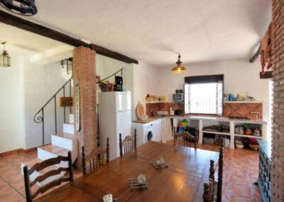 The kitchen & dining area at Casa El Cielo, Almogía