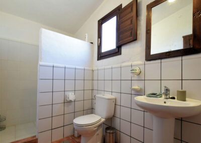 Bedroom #4 en-suite at Casa El Cielo, Almogía