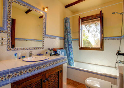 The bathroom at Casa Encantadora, Órgiva