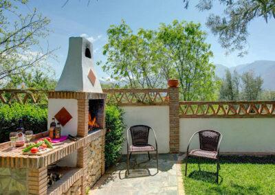 The barbecue area at Casa Encantadora, Órgiva