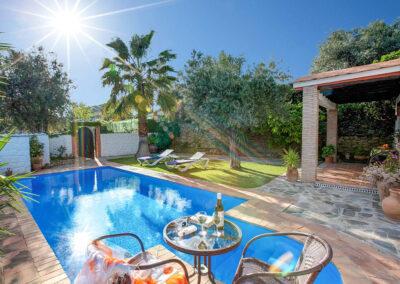The swimming pool, garden & patio at Casa Encantadora, Órgiva