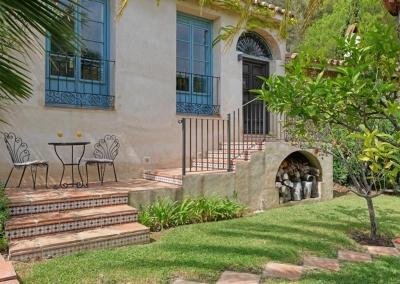 The annexe's patio at Casa Feliz, Frigiliana