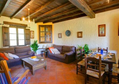 The living & dining area at Casa Montaña, Gaidovar