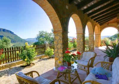The covered terrace at Casa Montaña, Gaidovar