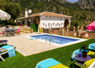 The swimming pool at Casa Montaña, Gaidovar