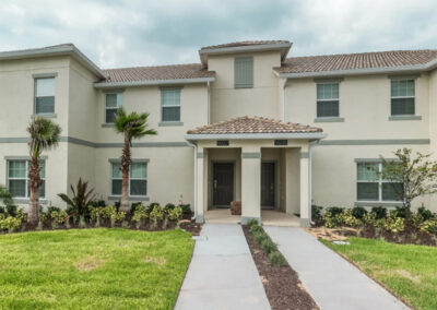 Championsgate 229, Davenport is a four bed, three bath townhouse in Kissimmee with L-shaped private pool in a renowned golf resort with water park, tennis and movie theater. Open plan living, two delightful themed bedrooms and furnished pool terrace close to Disney.