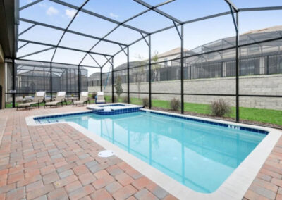 The swimming pool at Championsgate 84, Davenport