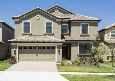 Championsgate 84, Davenport is a spacious six bedroom, five bathroom villa for 13 with private pool, home theater, games room with pool table & two themed bedrooms. Golf on the doorstep & close to Disney. Onsite amenities include restaurant, gym & splash park.