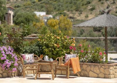 The poolside patio at El Huertecillo, El Gastor