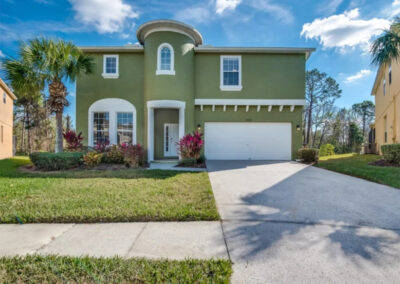 Emerald Island Resort 13, Kissimmee is a seven bedroom, five bathroom luxury villa with private pool & three Disney-themed bedrooms. Two living areas, chef's kitchen & excellent resort amenities just six miles from Disney & close to Mystic Dunes golf course.
