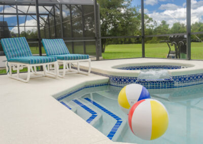 The spillover tub & swimming pool at Emerald Island Resort 58, Kissimmee, Orlando