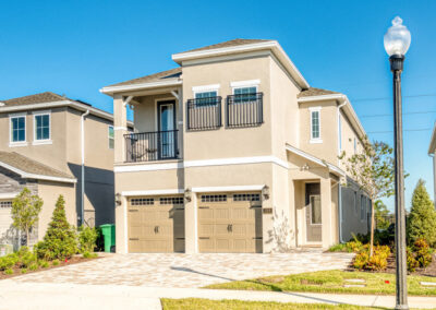 Encore Resort 443, Kissimmee is a six bedroom, five bathroom luxury villa with private pool, spa and outdoor speaker system. There's a TV loft, themed bedrooms & games room with karaoke. Onsite water park, restaurant and shuttle to Disney ten minutes away.