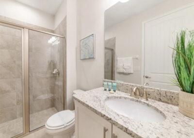 Bedroom #1 en-suite at Encore Resort 550, Kissimmee
