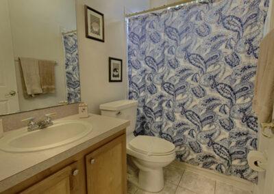 The bathroom at Formosa Gardens 50, Kissimmee, Florida