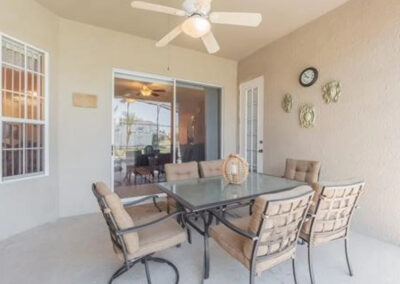 The covered lanai & alfresco dining area at Formosa Gardens 50, Kissimmee, Florida