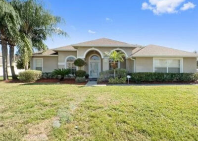 Formosa Gardens 50, Kissimmee is a four bed, three bath villa complete with private pool & spa in a screened outdoor environment. Beautifully furnished, the villa has two lounge / TV areas, games room with pool table & kids bunk room. One of the closest resorts to Disney.