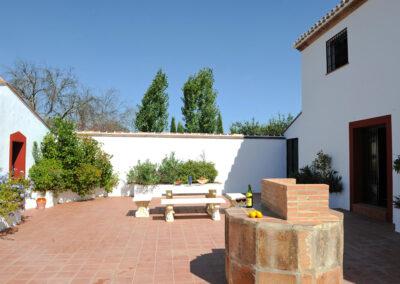 The enclosed courtyard & barbecue area at Huerta Atienza, Montecorto