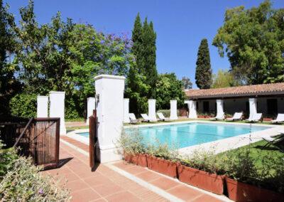 The swimming pool at La Abadesa, Nueva Andalucía