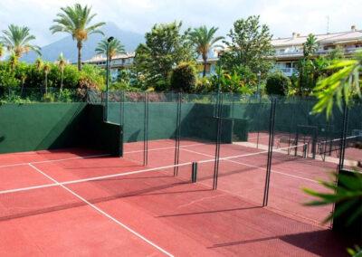 The tennis courts at La Dama De Noche, Nueva Andalucía
