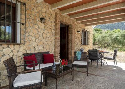 The covered patio & alfresco dining area at La Zarza, El Gastor