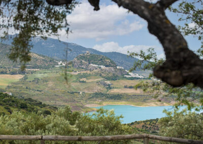 Panoramic mountain views to the turquoise waters of the Embalse from La Zarza, El Gastor