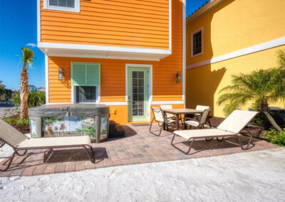 The hot tub, lanai & alfresco dining area at Margaritaville 3, Kissimmee, Orlando