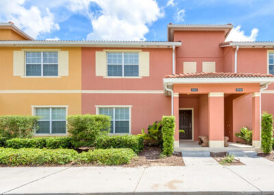 Paradise Palms Resort 10, Kissimmee is a modern four bedroom, three bathroom townhouse with private courtyard plunge pool & covered outdoor dining area. Perfect for families four miles from Disney with onsite pool, shop, games room, cinema, gym & play area. Close to golf.