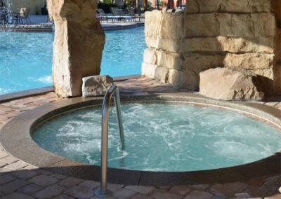 The resort swimming pool & hot tub at Paradise Palms Resort, Kissimmee