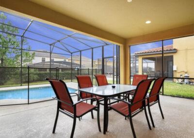 The covered lanaI & alfresco dining area at Providence Resort 61, Davenport, Orlando