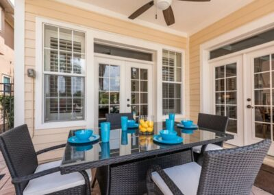 The covered lanai with alfresco dining & barbecue area at Reunion Resort 140, Reunion, Orlando, Florida