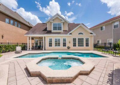 The swimming pool & spillover tub at Reunion Resort 140, Reunion, Orlando, Florida