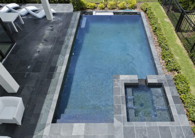 The spillover tub & swimming pool at Reunion Resort 95, Reunion