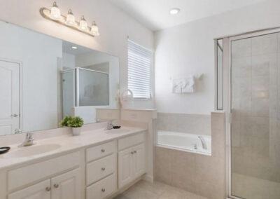 Bedroom #1 en-suite at Solterra Resort 390, Davenport, Orlando