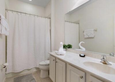 The bathroom at Solterra Resort 390, Davenport, Orlando