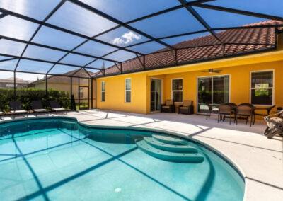 The covered lanai & swimming pool at Solterra Resort 390, Davenport, Orlando