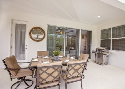 The covered lanai, outdoor eating & barbecue area at Sonoma Resort 41, Kissimmee, Orlando