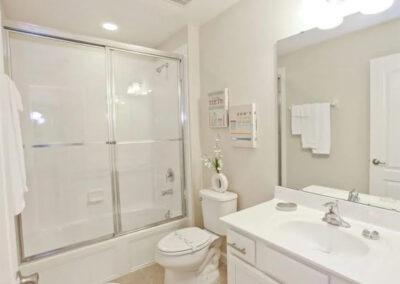 Bedroom #2 en-suite at Veranda Palms 10, Kissimmee