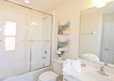 Bedroom #4 ensuite at Veranda Palms 10, Kissimmee