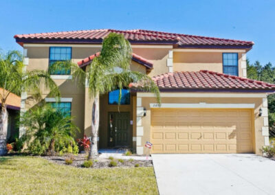 Veranda Palms 10, Kissimmee is a modern luxury villa for 14 with six bedrooms including a themed twin room & ground floor suite. Enjoy the screened pool, shady lanai & games room. Close to golf & restaurants; just seven miles from Disney.
