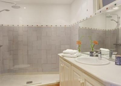 Bedroom #1 en-suite at Villa Agnes, Frigiliana