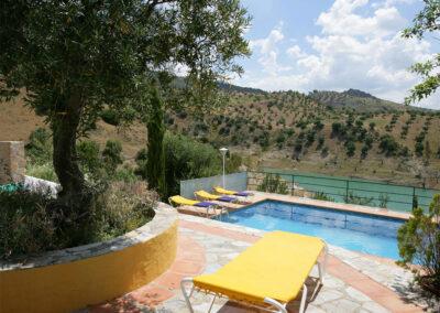 The swimming pool at Villa Alaju, El Gastor