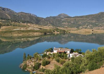Villa Alaju, El Gastor looks across Embalse de Zahara inland lake with views of Grazalema Natural Park