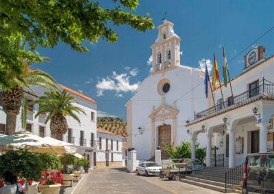 The village of El Gastor is just 5km away from Villa Alaju, El Gastor